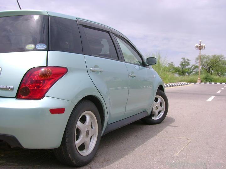 Comparison: Suzuki Swift & Honda city (2010) - 158558