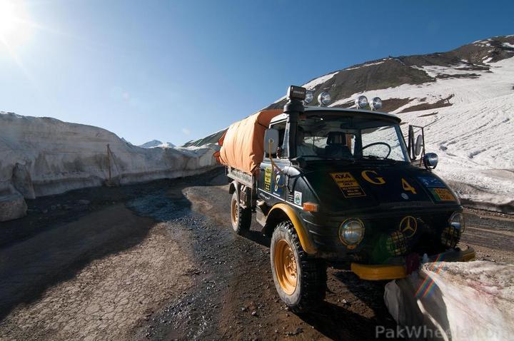 Team UNIMOG Punga 2010 @Elevation 14200ft–Via Babusar-Sheosar–Burzil–Minimerg–Butogah - 118669
