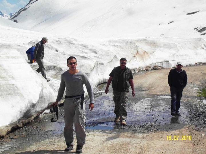 Team UNIMOG Punga 2010 @Elevation 14200ft–Via Babusar-Sheosar–Burzil–Minimerg–Butogah - 121429