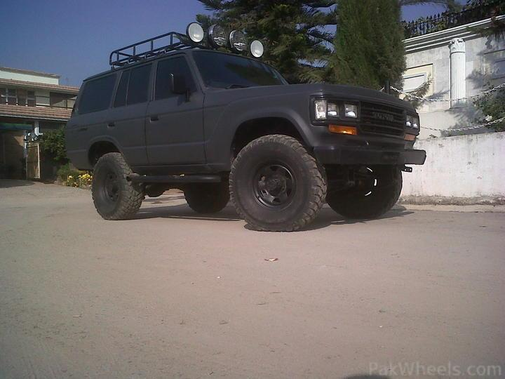 Monster bj60 land cruiser up for grabs - 172256