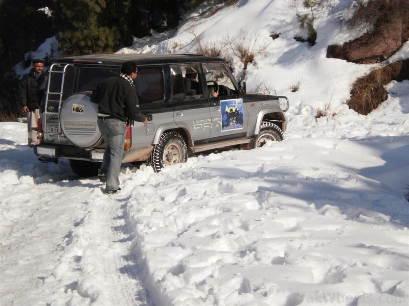 Muzaffarabad Jeep Club Snow Cross 2012 - 363097