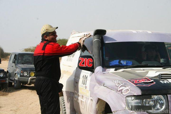 The Cholistan Jeep Rally 2012 Report: IJC Rally Team Concordia and Team Saidhi - 381642