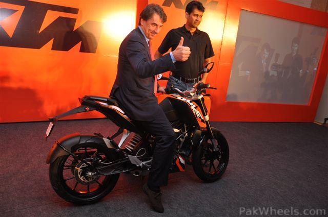 Bajaj auto to launch KTM Duke200 on 24 Jan. in New Delhi. - 359611
