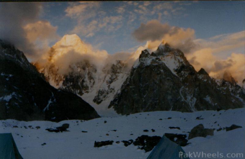 Solo Flight North Pakistan 2011 - Biking, Hiking, Hitchhiking, Jeep Safari & NATCO - 287486