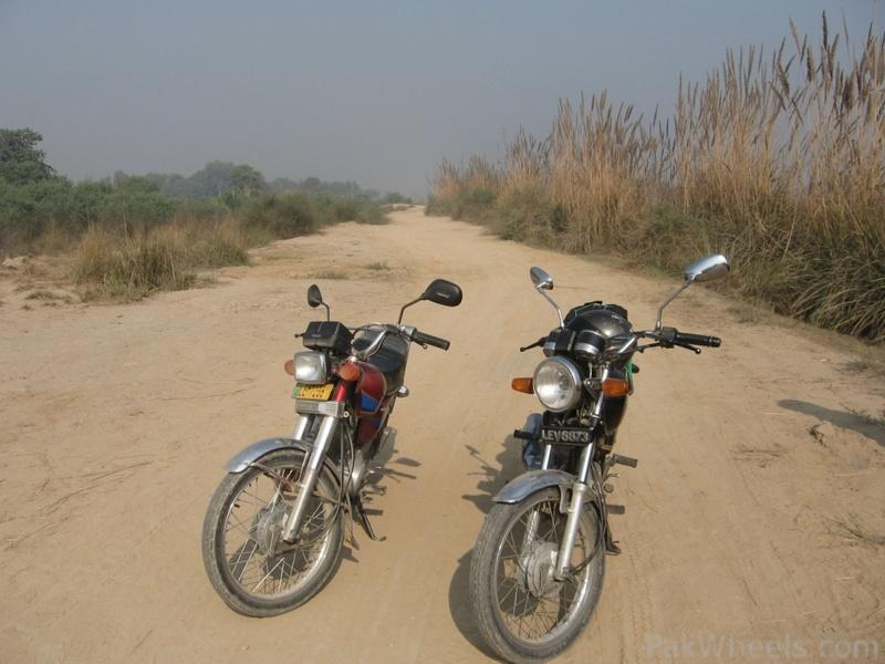 PBC members Master and BlueHorn - Short ride to Khanpur Canal 05/12/11 - 341667