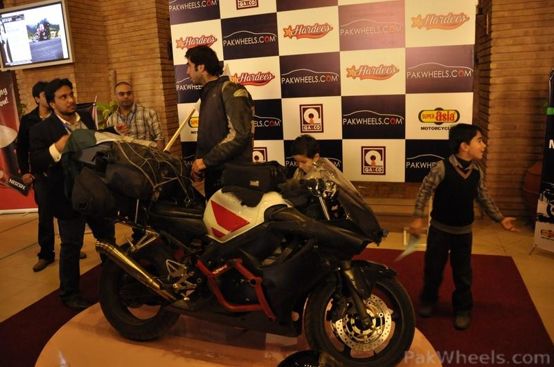 PakWheels - Moin Khan Welcome Event **(Pictures from Page - 5)** - 348187
