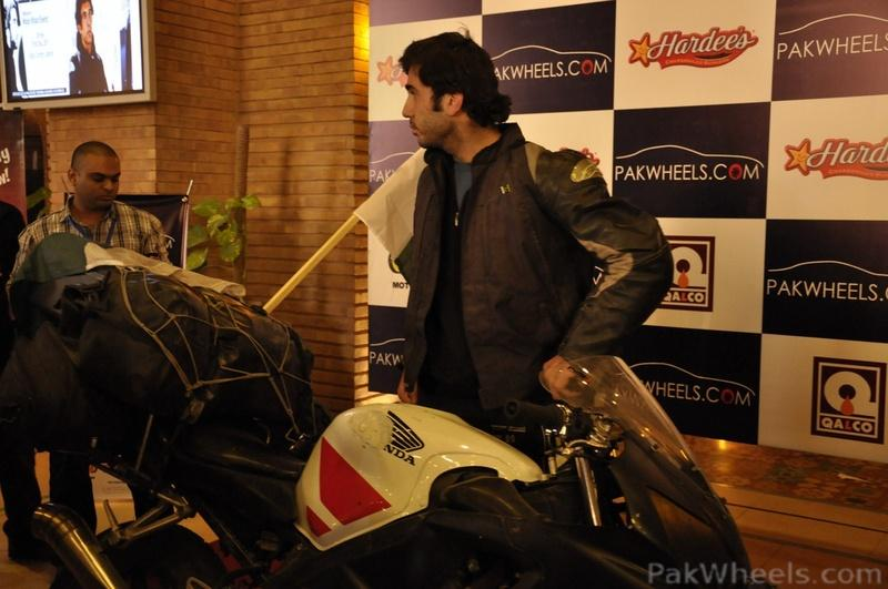 PakWheels - Moin Khan Welcome Event **(Pictures from Page - 5)** - 348189
