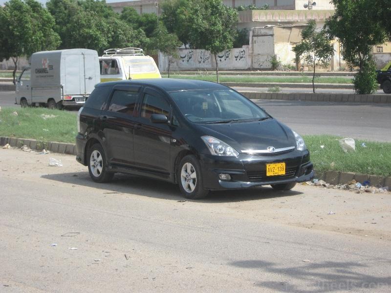 Toyota Wish in karachi - 302220