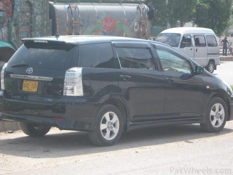 Toyota Wish in karachi - 302223