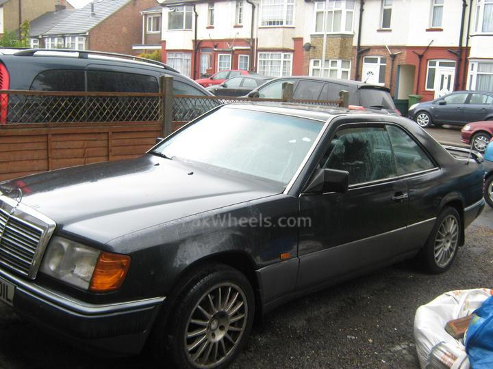 w124 mercedes benz 230 ce coupe members member rides pakwheels forums. Black Bedroom Furniture Sets. Home Design Ideas