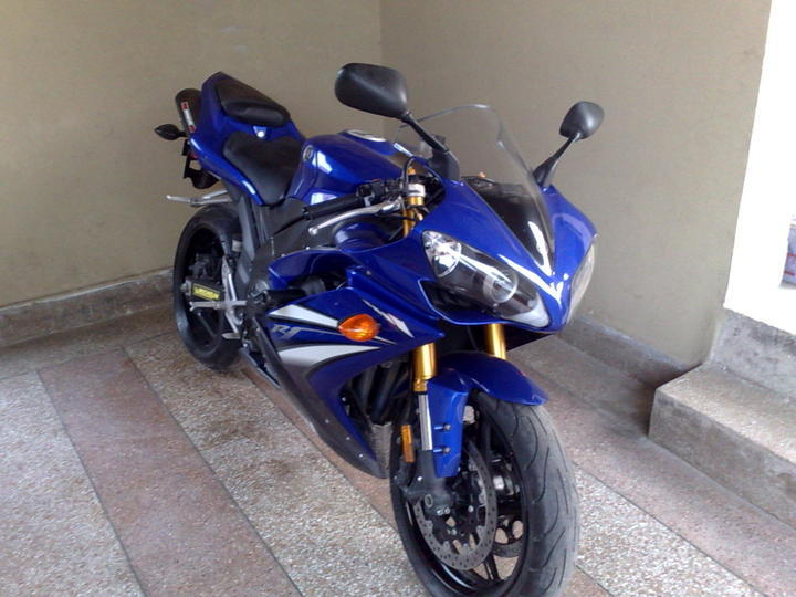 Yamaha r1 - Yamaha Bikes - PakWheels Forums