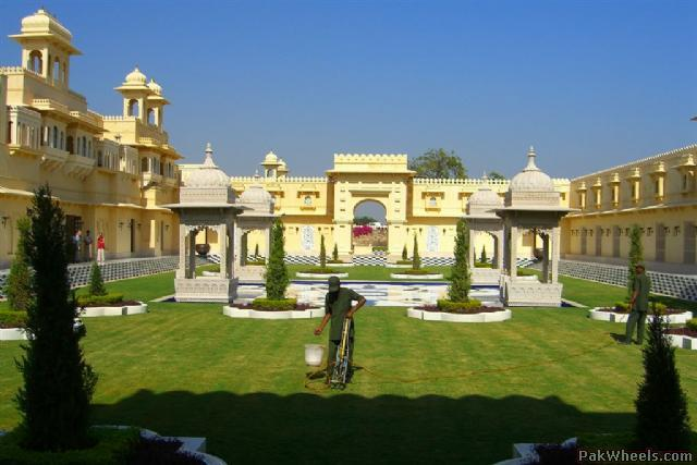 The oberoi udaivilas udaipur rajasthan non wheels for Small luxury hotels of the world group