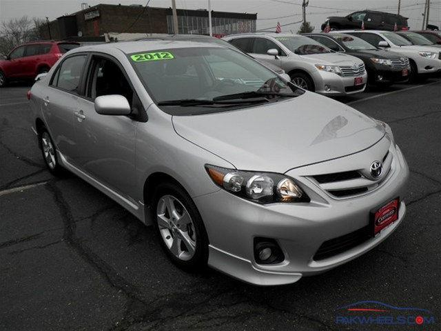 2012 toyota corolla s spotting hobbies other stuff pakwheels forums. Black Bedroom Furniture Sets. Home Design Ideas
