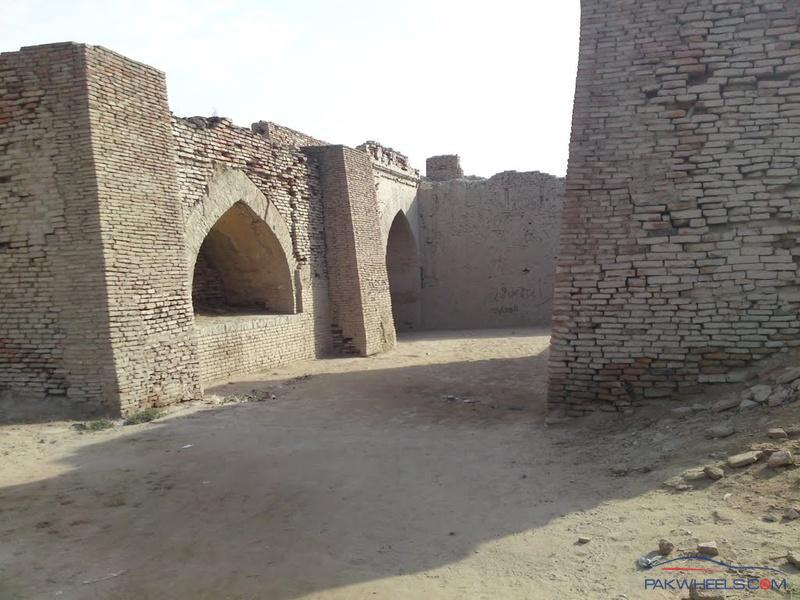 One Day Trip To Umerkot Fort Museum 28th September Sunday Road