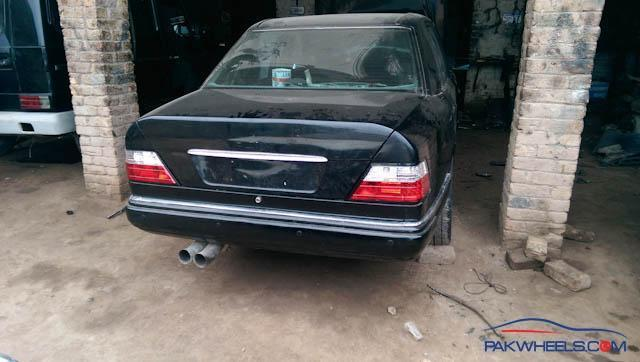 Mercedes Benz W124 1990 restoration project is back to life - D I Y