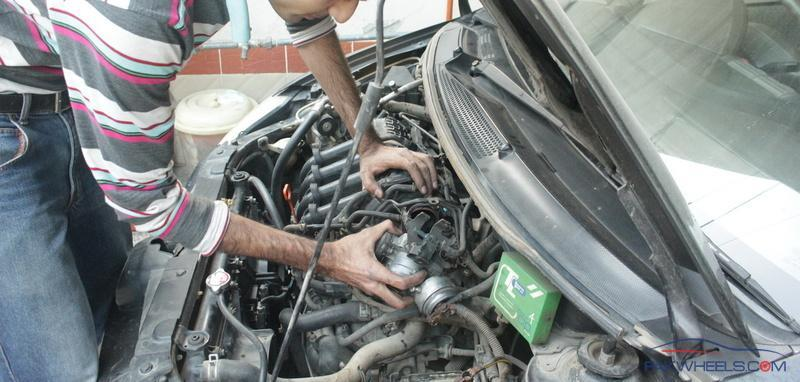 Honda City 2004 Throttle Body and Plugs Cleaning - D I Y