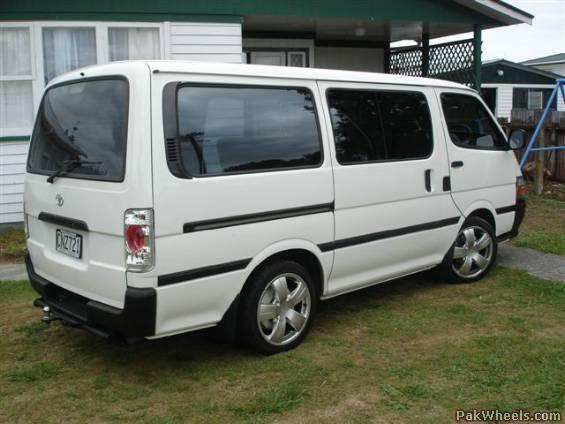 7e198e48a32ba8 Toyota Hiace 1994 Modified Crazy - Hiace - PakWheels Forums