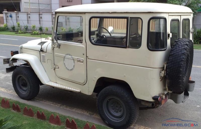 Toyota Landcruiser FJ40 / BJ40 - Stock Restore with Slight