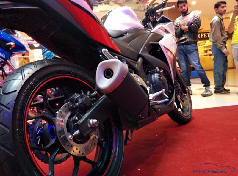 yamaha yzf r25 launch at centaurus mall islamabad