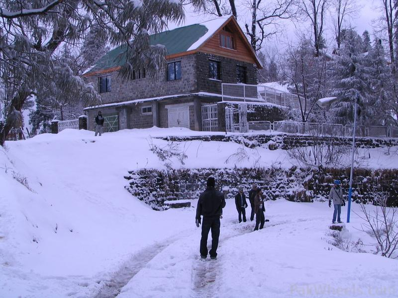 Snowfall Season In Murree Road Trips Vacations