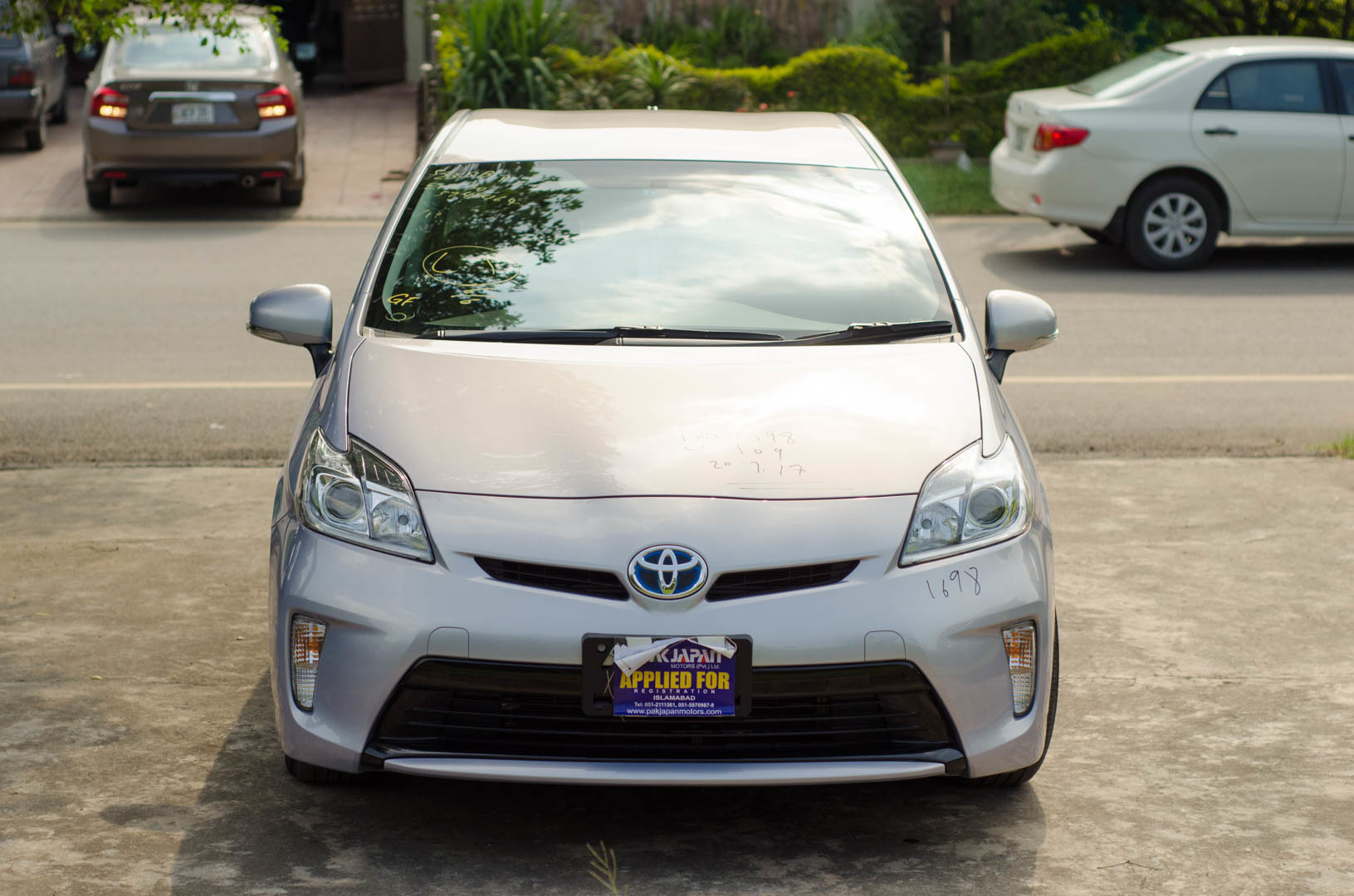 difference between toyota prius variants member opinions suggestions pakwheels forums. Black Bedroom Furniture Sets. Home Design Ideas