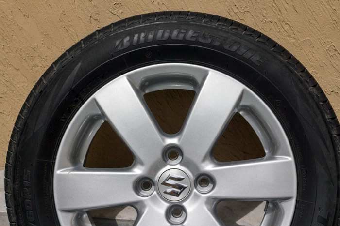 Suzuki Tire Size >> Fs Oem Suzuki Swift Rims And Tyres Car Parts Pakwheels Forums