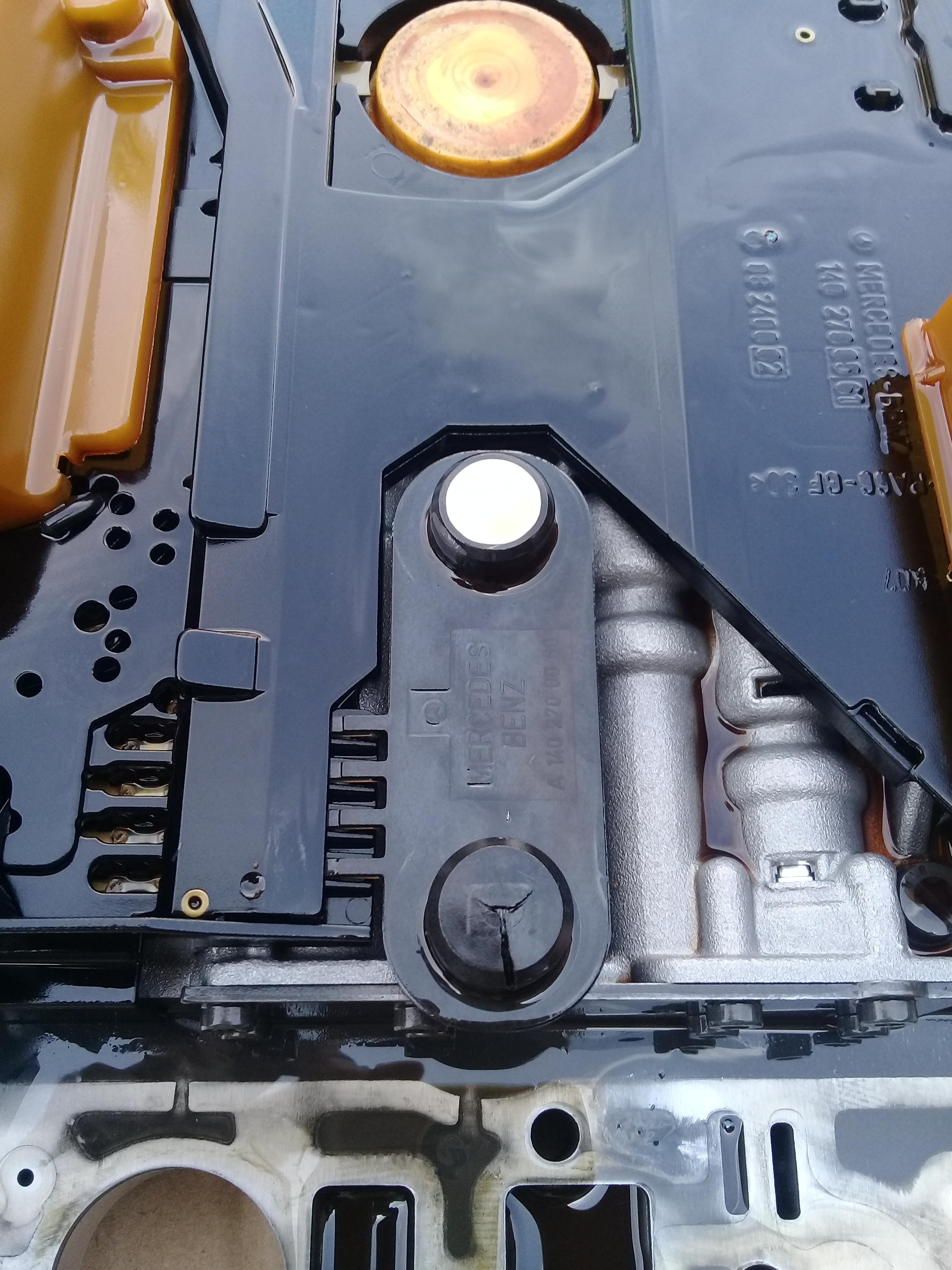 Conductor Plates Leaks Oil - Mariagegironde