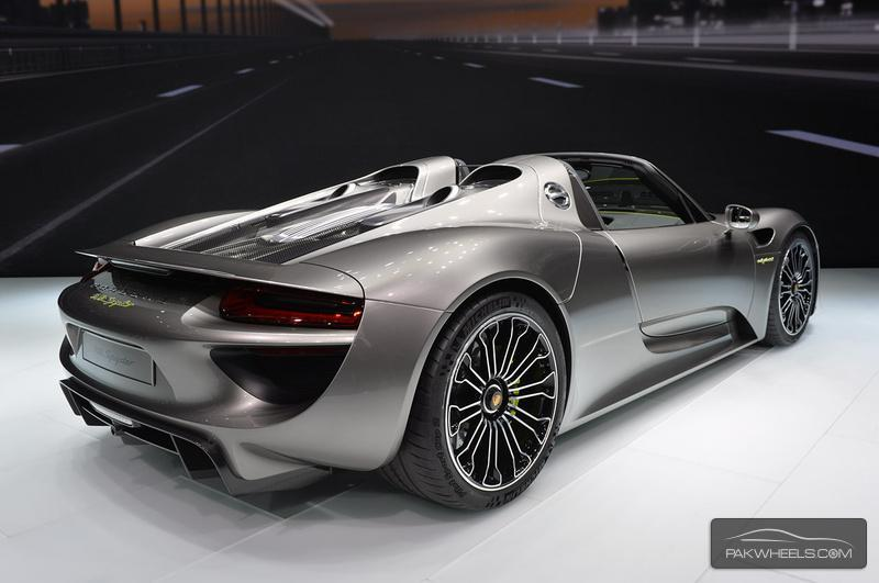 Porsche 918 Spyder A Million Dollar Plug In Hybrid Sports